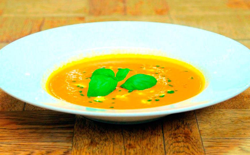 Крем-суп с чечевицей и кокосовым молоком