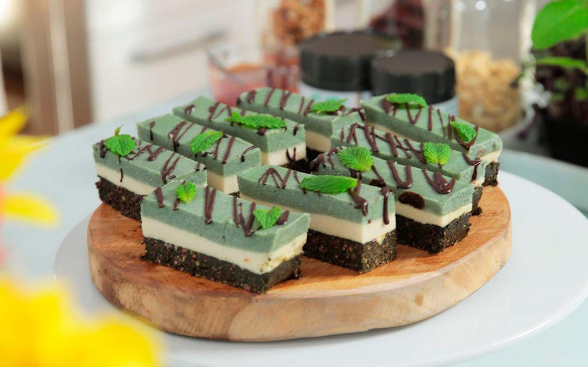 Веганские шоколадно-мятные пирожные