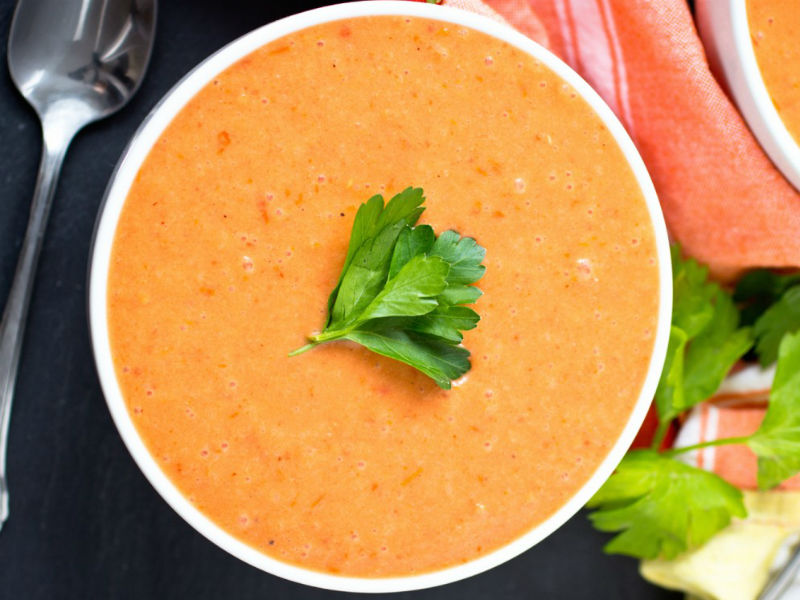 Пряный томатный суп-пюре с кокосовым молоком