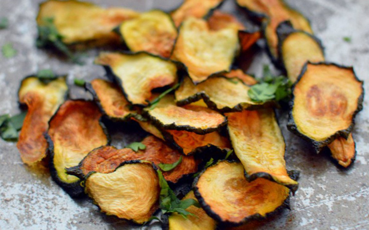 Хрустящие чипсы из кабачков