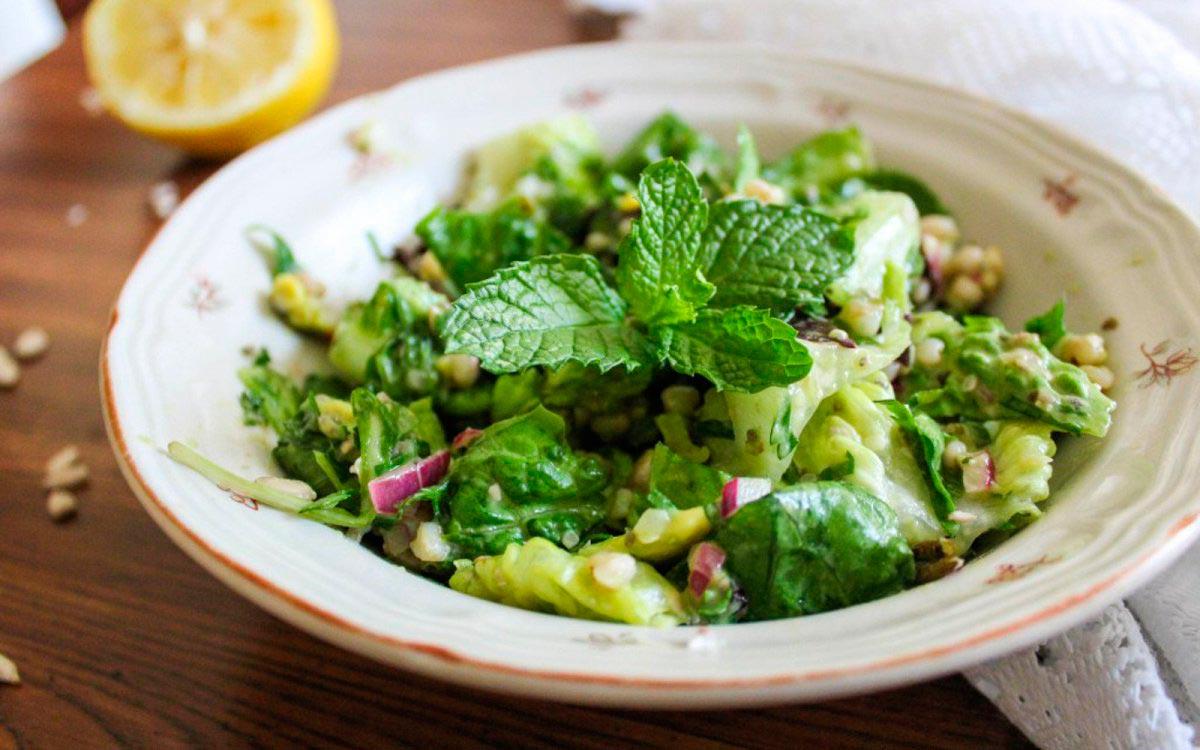 Салат «Табуле» с гречкой и авокадо